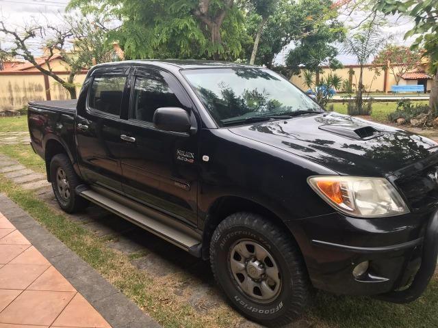 Toyota Hilux CD SR 4x2 4 portas preta em perfeito estado