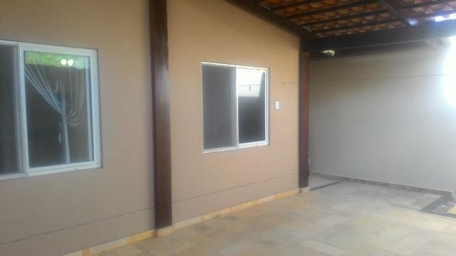 Casa Plana com Deck + Churraqueira + Chuveirão + Móveis projetados - 2 vagas - Pedras - Foto 11