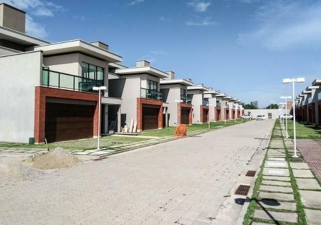 Casas de alto padrão em condomínio vizinho ao shopping - Foto 14