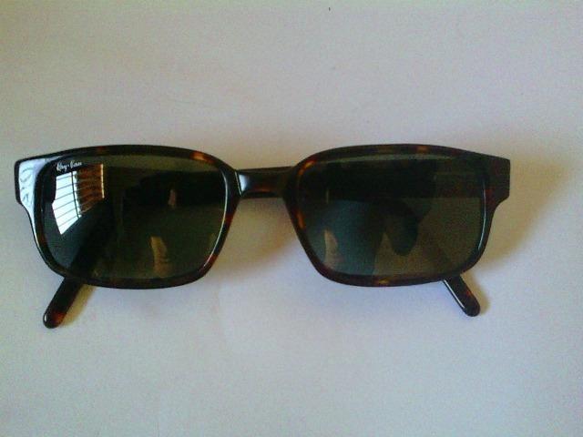 7957fed4d Óculos modelo Ray-Ban, armação mádia tartaruga, unissex ...