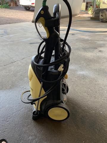 Lavadora karcher Profissional HD 5/11C