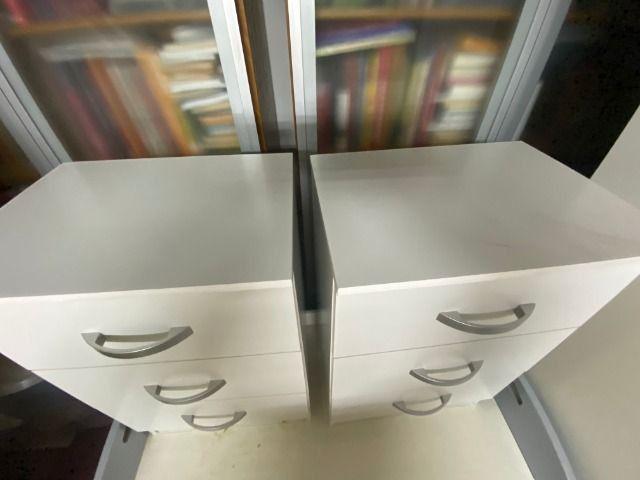 Móvel Criado-Mudo, com 3 gavetas cada, para sala ou quarto, compensado, leve - Foto 2