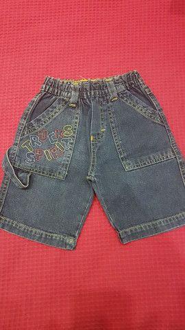 2 shorts (bege e jeans), tamanho 1 ano, seminovos.  - Foto 3