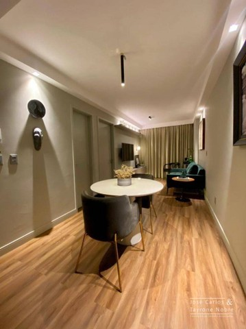 Apartamento térreo com área externa, 71m², projetados e com piscina privativa a beira mar