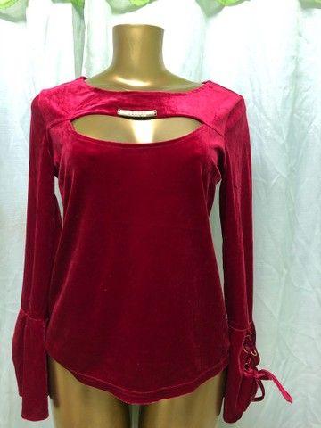Blusa de Veludo Vermelha - Foto 3