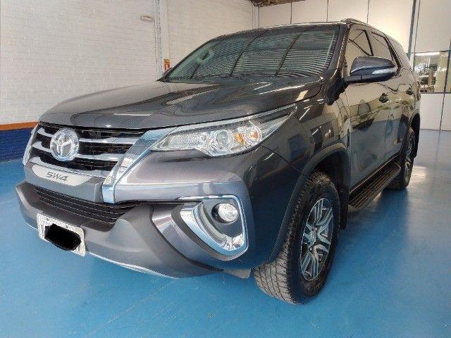 Toyota Hilux SW4 SR 2.7 Flex AUT 2017