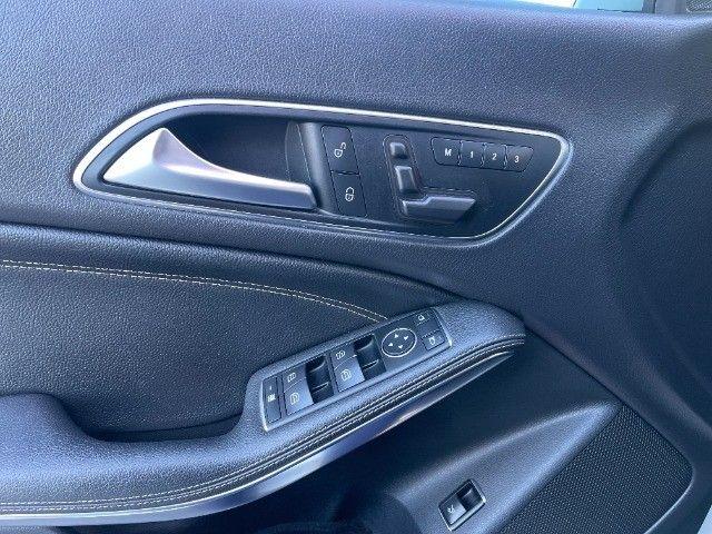 Mercedes CLA 200 Vision 1.6 Turbo 2015!! Carro luxuoso e econômico com 4 pneus novos. - Foto 12