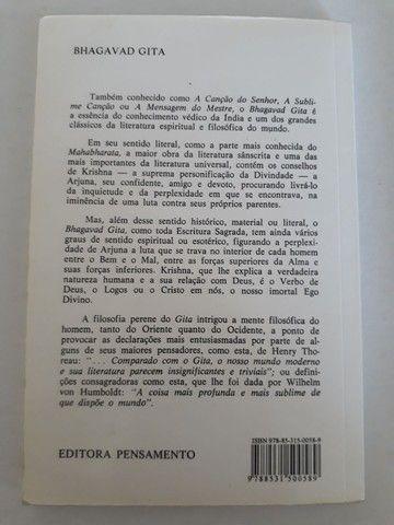 """Livro """"BHAGAVAD GITÃ""""  A Mensagem do Mestre"""" - Foto 2"""