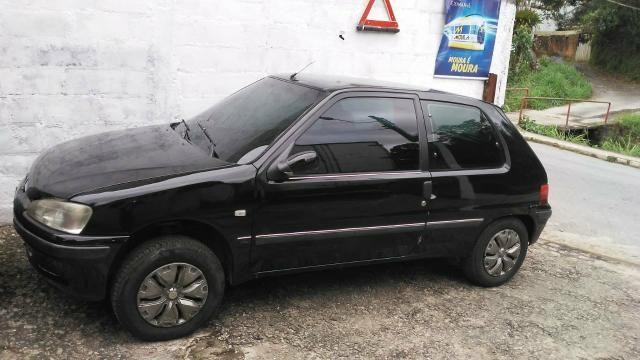 Peugeot 106 98/99 1.0 8 válvulas. Ar, vidros elétricos
