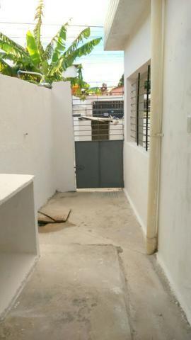 Casa em pau amarelo 2 quartos a 15 munitos do terminal de onibus - Foto 4