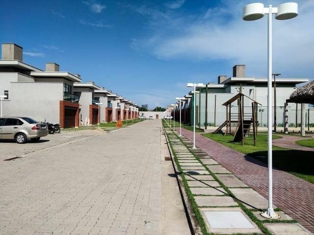 Casas de alto padrão em condomínio vizinho ao shopping - Foto 12