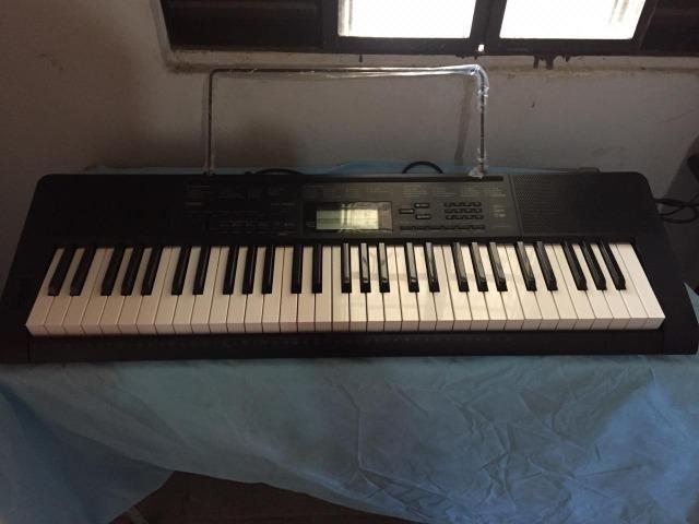 Vendo teclado e violao