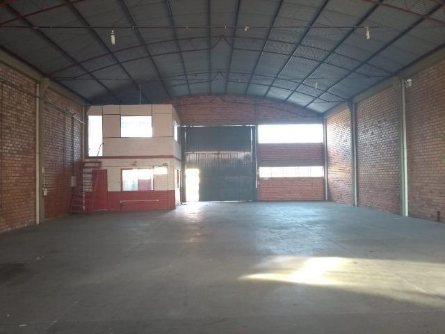 1153L - Pavilhão amplo c/ mezanino - Foto 2