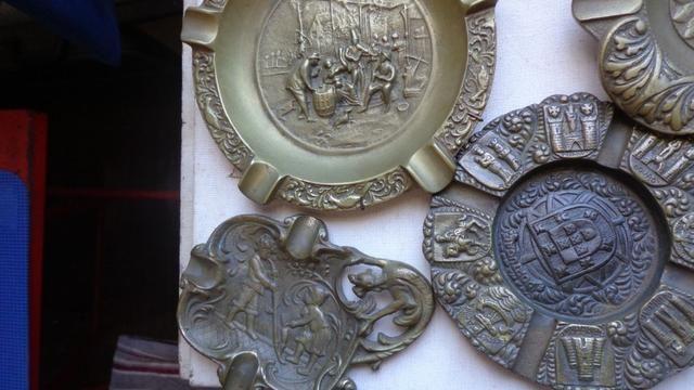 """Cinzeiros de Escritorio em Bronze """"Holland"""" Decoração - Foto 4"""