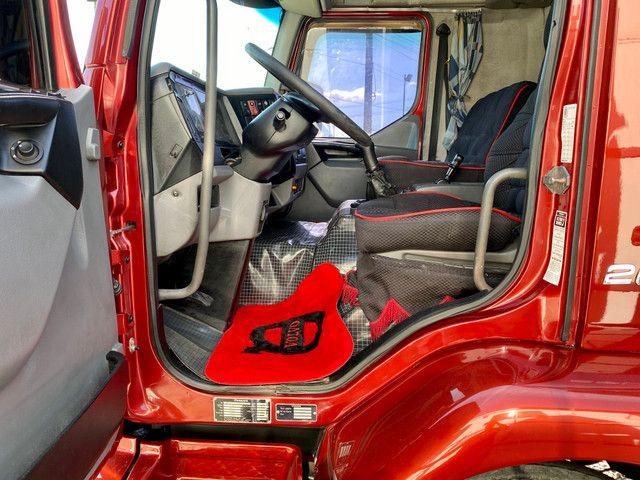 Volvo VM 260 ano 2008 Baú 9,50 Lindo Conservado - Foto 16