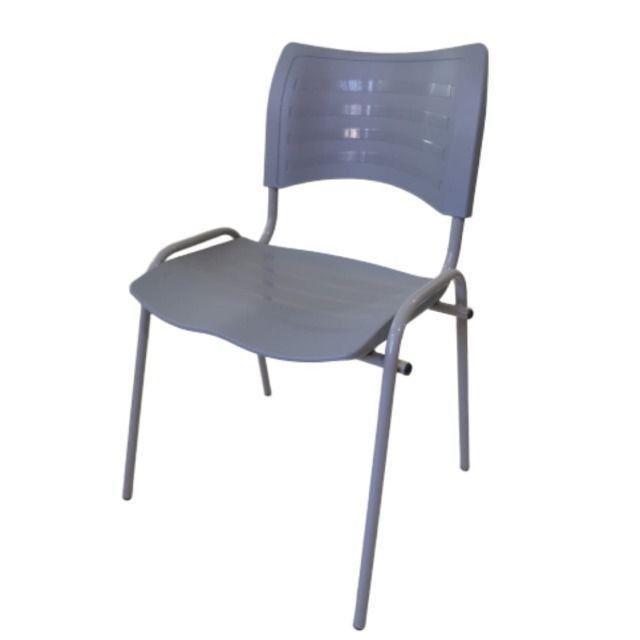 Cadeira em polipropileno para igrejas , lanchonete , bares, restaurantes