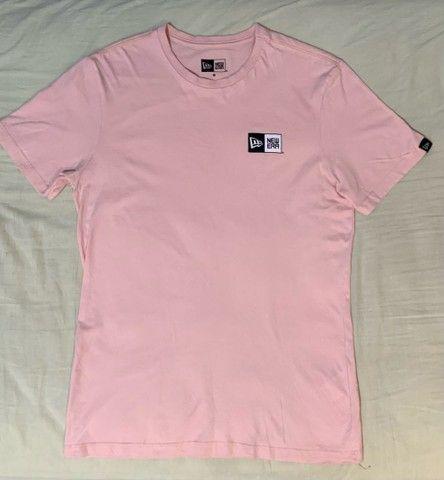 Camiseta New Era Novíssima