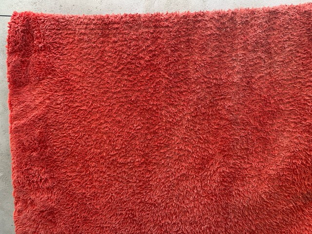 Tapete vermelho só está sujo/1,80 por 2,20 - Foto 3