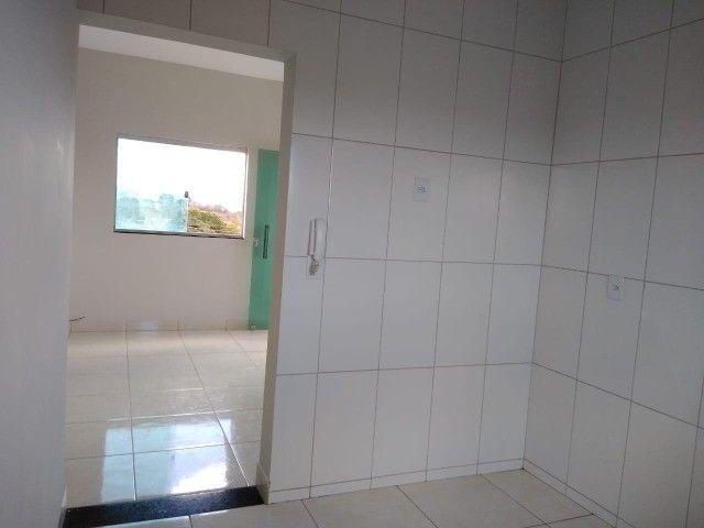 Alugo apartamento 3 quartos c/suite - Planalto - Foto 2
