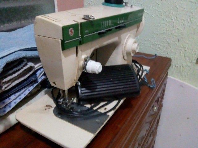 Maquina de Costura Singer 966 - Foto 5