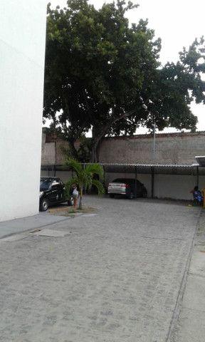 Cond fechado na 1etapa Rio Doce,portaria,na Av,Res Porto Seguro,perto da praia,play - Foto 6