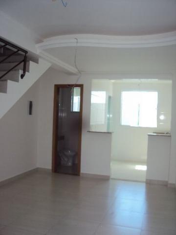 Casa geminada 02 quartos