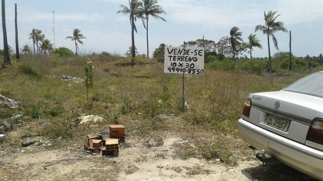 Vende-se terreno no robalo no fundo do sítio Terêncio 10x30 valor 25.000 Fone 999408550