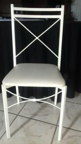 Cadeira em ferro com encosto em x e assento em korino na cor branca - Foto 2