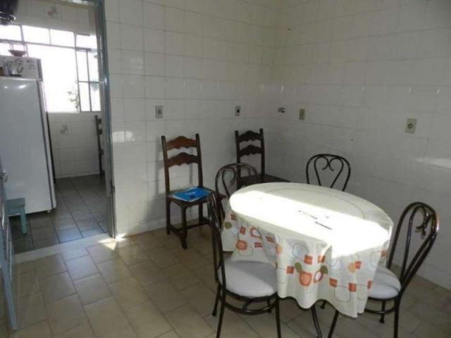 Casa em lote amplo, 3 quartos, quintal, 3 vagas - Foto 4
