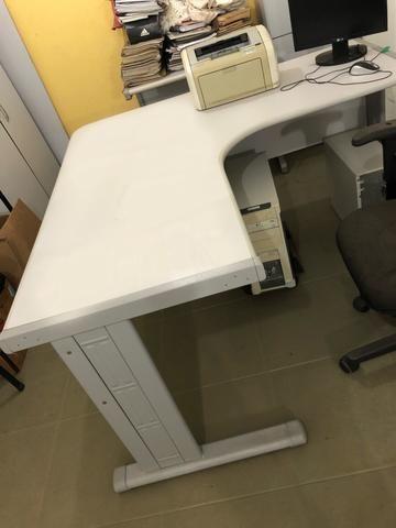 Vendo mesa l e moveis para escritório