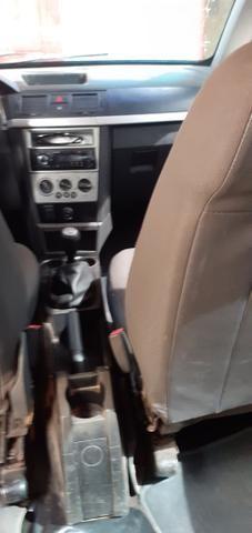 Vendo esse carro meriva em dia ano 2010 - Foto 2