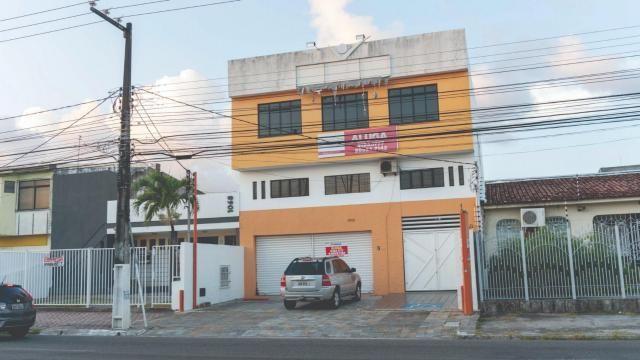 Rédio na avenida desembargador maynard, bairro cirurgia