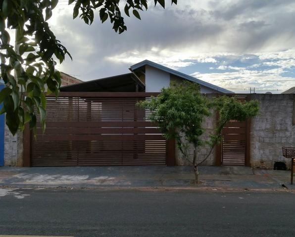 Casa 03 dormitórios para alugar