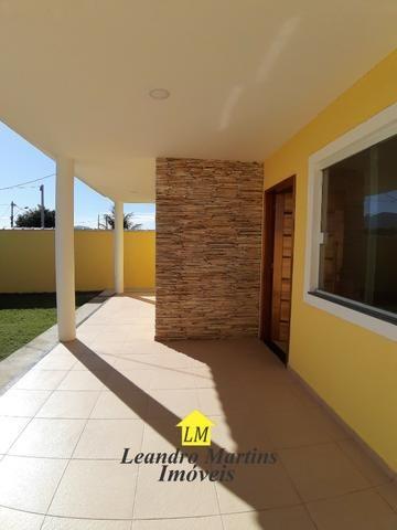 Ótima casa de 3 quartos com terreno de 480 mts em itaipuaçu !! Prox a rua 66 - Foto 3