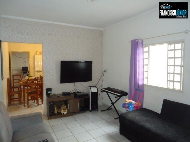 Casa no Setor Coimbra, 3 quartos (1 suíte), ótima localização, encostado no Hiper Moreira - Foto 9