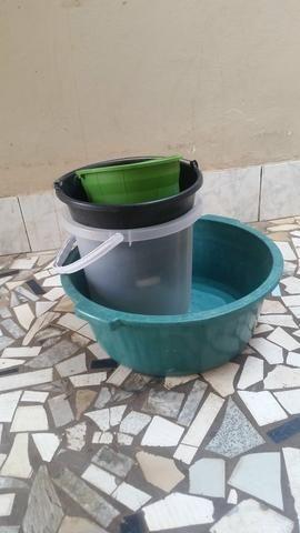 Bacias e baldes