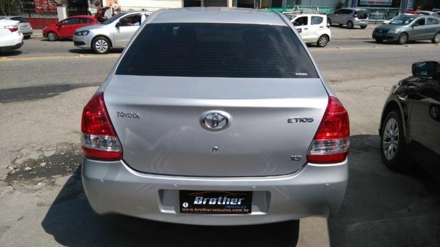 Toyota Etios Sedan XS 1.5 Manual 2014 GNV 5 Geração - Foto 7