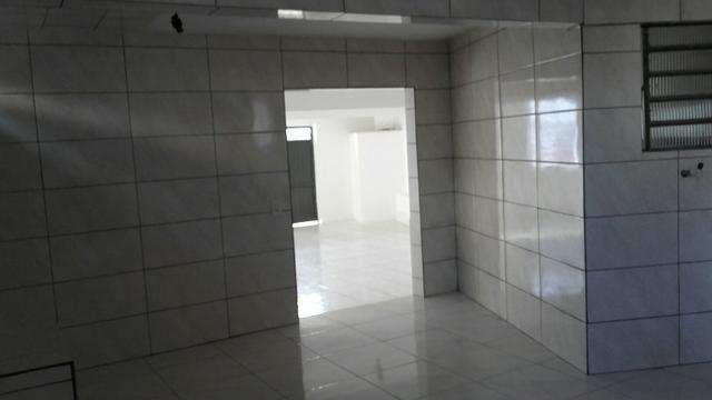 Aluga-se sala comercial + residência - Foto 6