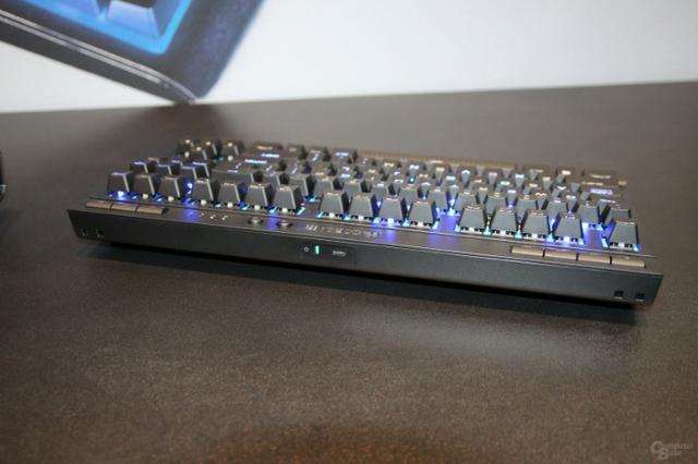 Teclado Gamer Corsair K63 Wireless Led Blue Mecânico - Semi Novo - Foto 5