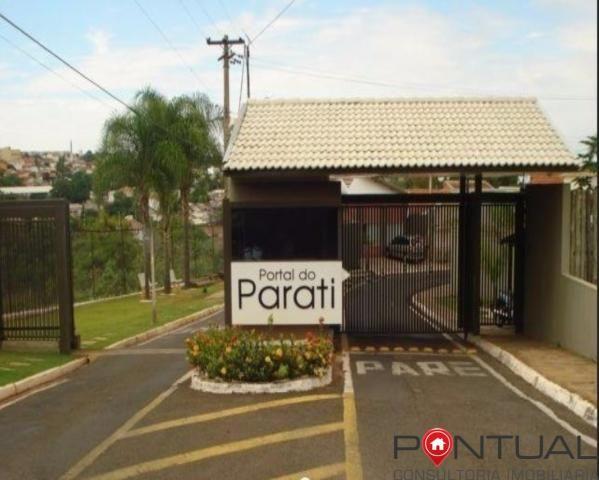 Casa com 3 dormitórios para alugar em Condomínio Fechado por R$ 1.700,00/mês , Marília/SP