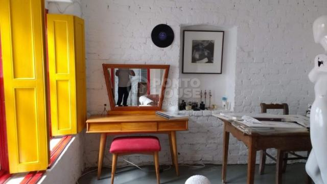 Casa 06 dormitórios, e 09 vagas de garagem à venda no Bairro Vila Mariana