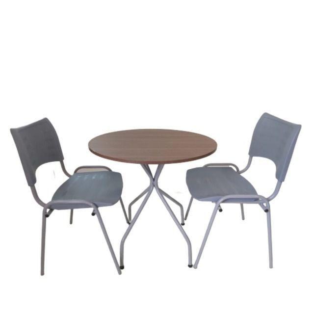 Mesa rodonda com duas cadeiras,para sorveteria,cafeteria,bares,lanchonete-entrega rápida