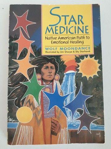 """Livro em Inglês """"Star Medicine"""""""