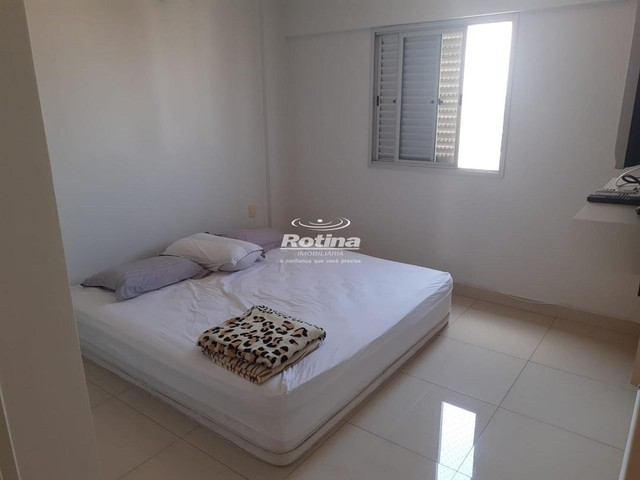 Apartamento para aluguel, 3 quartos, 1 suíte, 2 vagas, Umuarama - Uberlândia/MG - Foto 6