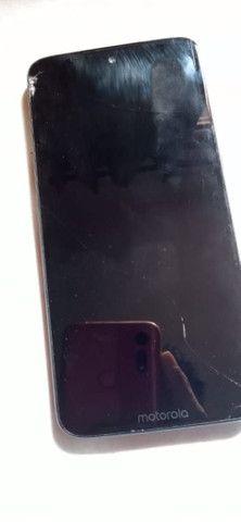 Moto G7 plus trincado troco por outro celular - Foto 2
