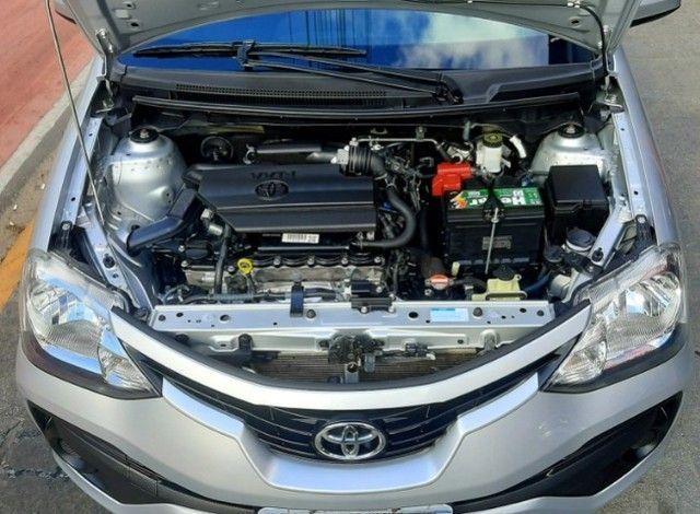 Toyota etios sedan aut X 1.5L vvt-i flex 4p prata 2018 raridade 35.000km ipva2021pgvist.   - Foto 5