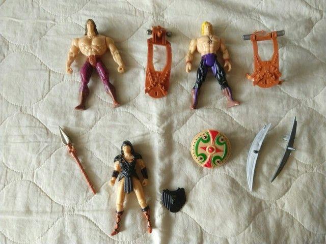 Lote com 3 bonecos antigos, Xena e Hércules