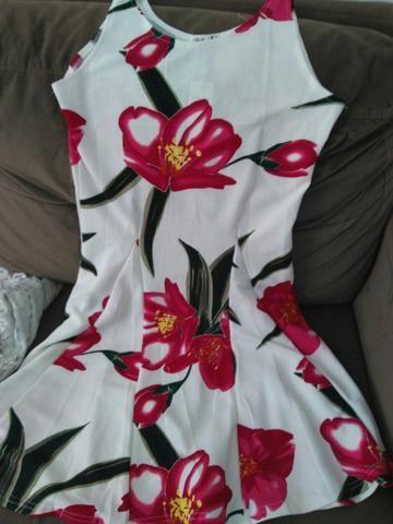 Vestidos floridos verão