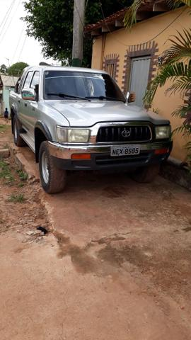 Hilux ano 2002 R$33,000