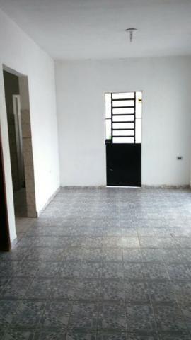 Casa em pau amarelo 2 quartos a 15 munitos do terminal de onibus - Foto 6